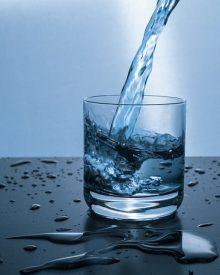 beber liquidos no verão