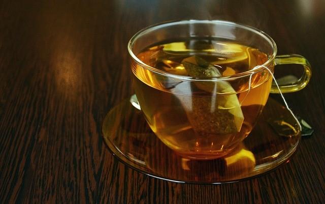 benefícios de beber chá