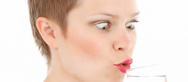 Costuma ter a boca seca? Será que sofre de xerostomia?